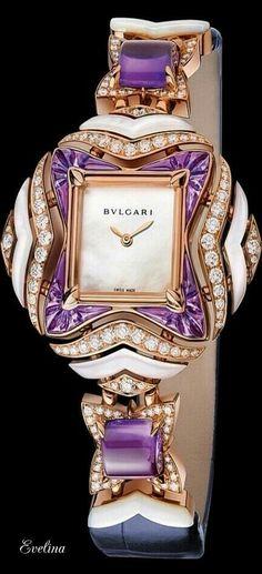 N/A #luxuryjewelrydisplay
