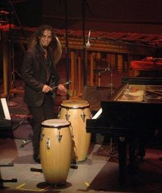 Angel Rodríguez Morales. De origen cubano y radicado en México, el pianista y compositor comenzó sus estudios musicales a los cinco años.