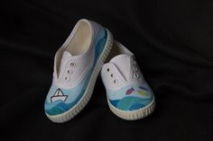 Zapatillas pintadas a mano hechas por encargo Painted Sneakers, Painted Shoes, Painted Clothes, Cute Shoes, Designer Shoes, Baby Shoes, Image, Fashion, Cinderella