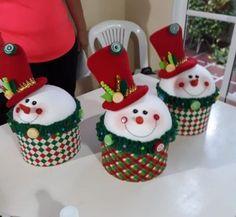Felt Christmas Ornaments, Christmas Snowman, Christmas Crafts, Crafts For Kids, Snowmen, Holiday Decor, Snowman, Papa Noel, Christmas Ornaments