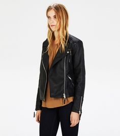 f243d76bb5 Outfit Ideas to Bring Your Leather Jacket Back to Life