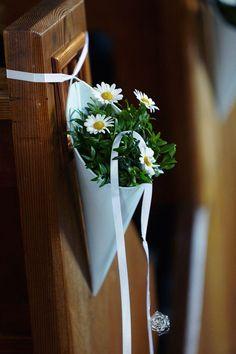 Deko f?r die Kirche; nach der Kirche k?nnten wir die Blumen urban-gardening-m??ig in d ... - http://goo.gl/gVRsV9