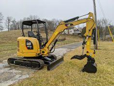 Excavator For Sale, Mini Excavator, Excavation Equipment, Construction Machines, Ford Trucks, Caterpillar, Outdoor Power Equipment, Primate, The Unit