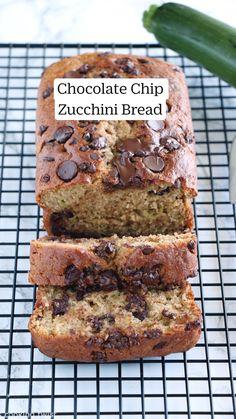 Zucchini Bread Recipes, Banana Bread Recipes, Cake Recipes, Dessert Recipes, Recipes With Bananas, Zuchinni Bread, Homemade Banana Bread, Oatmeal Recipes, Chocolate Chip Zucchini Bread