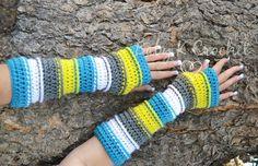 Free Punky's Arm Warmers Pattern via @charmedbyewe
