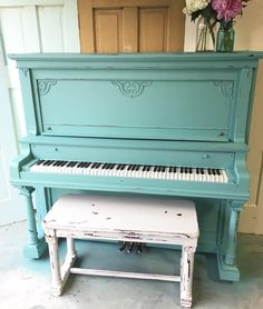 Painted Piano by @jamirayvintage