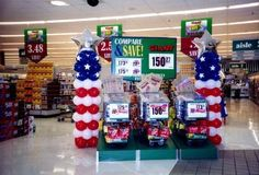 Patriotic Balloon Display that you could use for any summer picnic or event!