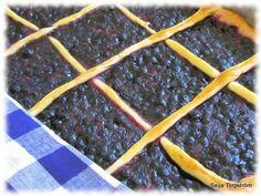 Mustikkapiirakka Sweet Pie, Sweet Recipes, Tasty, Baking, Food, Pastries, Bakken, Essen, Tarts