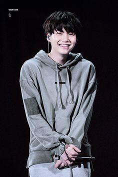 Min Yoongiii // look at that smile, i love