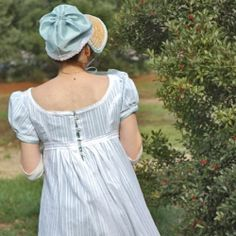 Elizabeth Bennet for a day! Using a Simplicity pattern & web tutorials, it's easy to make a Jane Austin style dress, shoes, hat and bag.