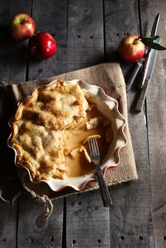 Apple pie with caramel