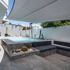 Fantastic T4+1 villa with swimming pool, completely renovated in 2016, located in Bairro do Rosário, Cascais.  The villa consists of 2 floors plus a lower floor with independent access.  Ideal for those seeking to live in comfort in a central yet quiet area 🏡  For more info please contact us: 📥 @sothebysrealtyestoril 📞 (+351) 919 228 919 💻www.sirpt.com R.102200134 📧 estoril@sirpt.com 📸 @openhouserealestatephotograpy . . . #sir #sircletheglobe #potd #realestate #sothebysrealty… 2nd Floor, Floors, Swimming Pools, Villa, Real Estate, Live, Home Tiles, Swiming Pool, Flats