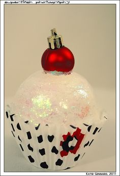 Cupcake Christmas Ornament - would be cute for a girl scout craft