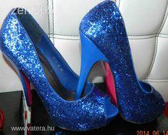kék magasarku - Google keresés Platform, Heels, Google, Fashion, Heel, Moda, Fashion Styles, High Heel, Wedge