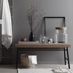 Ikeassa  on meneillään kylpyhuoneviikot, eli kaikennäköisiä tarjouksia siihen liittyen vielä 29.3 asti. Jotkut ehkä huomasiv...