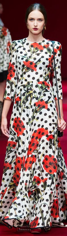 Dolce & Gabbana know that the only thing better than polka dots and red carnations is ALL OF THE DOTS and ALL OF THE RED CARNATIONS!