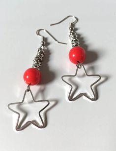 Orecchini con stelle, orecchini pendenti con stelle, orecchini lunghi, stelle argento, nodini alluminio, nodini alluminio e stelle