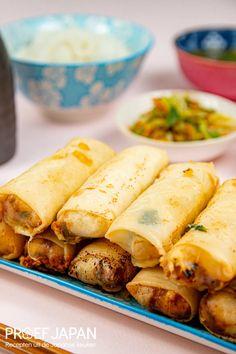 Japanse loempia's uit Okinawa (volgens Tokyo Stories)   Proef Japan Okinawa, Tokyo Story, Japanese Food, Japanese Recipes, Asian Recipes, Ethnic Recipes, Bar Menu, Chorizo, Cheddar
