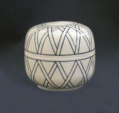 Leen Quist: porcelain