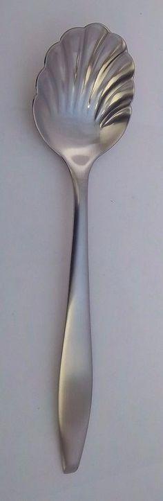Oneida Jasmine Sugar Spoon