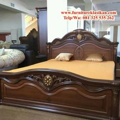contoh desain 1 tempat tidur ukir jati mewah, spesifikasi set kamar tidur ukir d. sample design 1 luxury teak carved bed, specifications of the modern duco classic carved bedroom set, reference euro Bed Designs With Storage, Wooden Sofa Set Designs, Wood Bed Design, Bed Frame Design, Bedroom Bed Design, Sofa Design, Bedroom Furniture Makeover, Bedroom Furniture Design, Bed Furniture