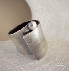 Anillo de plata ancho banda - remolino Remolino - anillo de banda Simple y elegante. Por encargo en mi estudio con plata reciclada. Yo uso gráfico de tamaño de anillo de Estados Unidos, pero para mi UE basada en clientes por favor en contacto conmigo para su tamaño del anillo, o házmelo