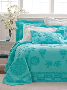 32 Ideas For Bedroom Colors Turquoise Bedspreads Dream Bedroom, Master Bedroom, Bedroom Colors, Bedroom Decor, Turquoise Cottage, Aqua, Chenille Bedspread, Modern Colors, Bedrooms