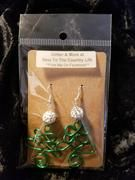 Comment at checkout with your color choice. If you don't comment, you will receive a random picked color. Christmas Tree Earrings, Christmas Ornaments, Earring Tree, Country Life, Wire Jewelry, Glitter, Holiday Decor, Color, Xmas Ornaments