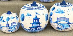 Everyone Is Turning Their Pumpkins Into Chinoiserie Pieces of Art After all, blue and white is the best color combination. Why not add it to your pumpkin? Pumpkin Painting Party, Pumpkin Art, White Pumpkins, Painted Pumpkins, Fall Pumpkins, Velvet Pumpkins, Creative Pumpkins, Good Color Combinations, Pumpkin Decorating