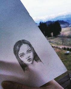"480 aprecieri, 7 comentarii - ELIANA BOGDAN (@elianabogdan) pe Instagram: ""Quick sketch of Rihanna because drawing her face features is so relaxing📝 #sketch #rihanna…"""