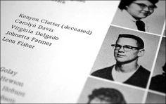 """Kenyon Clutter en el Anuario de 1960 de la Escuela Secundaria de Holcomb. Al lado de su nombre se lee la palabra """"deceased"""" (fallecido)."""