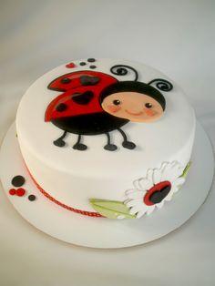 Fondant Cakes, Cupcake Cakes, Owl Cupcakes, Fruit Cakes, Beautiful Cakes, Amazing Cakes, Bolo Laura, Ladybird Cake, Ladybug Cakes