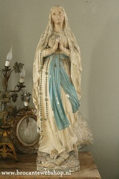 Architektur Mega große alte Kirchenstatue Religion Brocante Webshop Mega große alte Kirchenstatue Religion Brocante Webshop The post Mega große alte Kirchenstatue Religion Brocante Webshop appeared first on Architektur. Madonna, Religious Icons, Religious Art, Kitsch, Images Of Mary, Home Altar, Mama Mary, Blessed Mother Mary, Statues