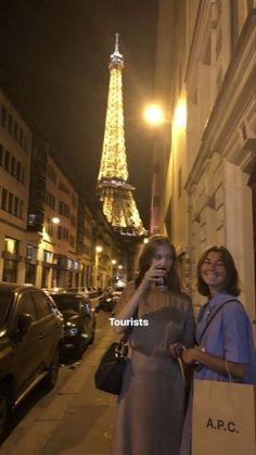 Foto Best Friend, Photographie Portrait Inspiration, Teenage Dream, Instagram Story Ideas, City Girl, Story Inspiration, Friend Pictures, Insta Story, Ig Story