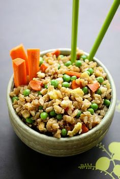 Make-it....pretty easy and tastes good.  although it is not like what you would get from your local Chinese joint.The Cooking Photographer: Vegetable Fried Brown Rice