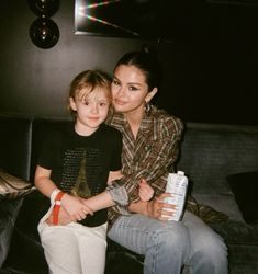 Selena Gomez Fotos Selena Gomez, Selena Gomez Outfits, Selena Gomez Pictures, Selena Singer, Emily Ratajkowski Outfits, Look At Her Now, Best Sister Ever, Celebrity Gallery, Marie Gomez