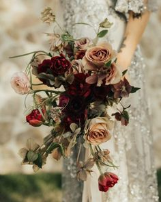 30 of Our Most Loved Fall Bouquets - https://ruffledblog.com/30-of-our-most-loved-fall-bouquets