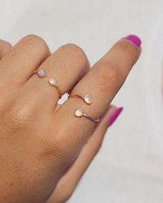 Hey, ho trovato questa fantastica inserzione di Etsy su https://www.etsy.com/it/listing/468286223/moonstone-anello-anello-in-argento