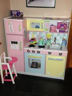 Girls pretty pastel kitchen