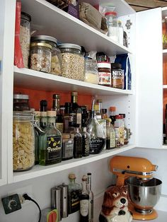Essential Items for Your Kitchen Pantry