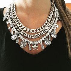 Pechera Dali I Love Jewelry, Statement Jewelry, Boho Jewelry, Jewelry Crafts, Jewelery, Handmade Jewelry, Jewelry Design, Jewelry Making, Diy Necklace