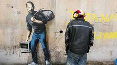 Banksy, Steve Jobs, the son of a migrant from Syria. Image courtesy of Banksy ART NEWS: Banksy illuminates the contribution of immigrants with Steve Jobs, Street Art Banksy, Banksy Graffiti, Banksy Work, Street Art Utopia, Bansky, Graffiti Tattoo, Syrian Refugee Camps, Syrian Refugees, Steve Jobs Father