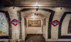 The World's 15 Most Beautiful Abandoned Subway Stations Abandoned Hospital, Abandoned Amusement Parks, Abandoned Churches, Abandoned Places, Abandoned Asylums, Abandoned Houses, Best Hotels In Madrid, Madrid Metro, Madrid City