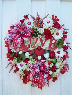 Love Valentine wreath-inside the house.fresh or silk flowers . Valentine Day Wreaths, Valentines Day Decorations, Valentine Day Crafts, Holiday Wreaths, Holiday Crafts, Thanksgiving Holiday, Wreath Crafts, Diy Wreath, Diy Crafts