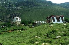 Pabonka Hermitage, the largest & most important of the Sera hermitages is located about 5 miles northwest of Lhasa in the Nyang bran Valley on the slopes of Mount Parasol.
