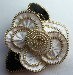 Black & White Floral Brooch / Zipper Pin - Approx 3.5 in / 9 cm - brass teeth - by ZipPinning - 30898 by ZipPinning on Etsy
