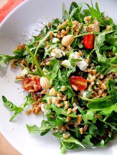 Farro and Arugula Salad – Proud Italian Cook Farro und Rucola-Salat – stolzer italienischer Koch Fig Salad, Farro Salad, Arugula Salad, Farro Recipes, Salad Recipes, Healthy Salads, Healthy Eating, Healthy Recipes, Vegetarian
