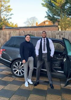 Gorgeous Black Men, Handsome Black Men, Antony Joshua, Stephen Amell, Issa, Athletes, Relationship Goals, Boxer, Bodybuilding