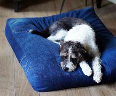 Selbst genähtes Hundebett - Geschenke für Hundefreunde selber machen