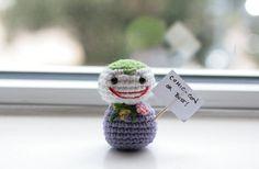 Ela cria divertidos heróis e vilões em crochê - A artista nas horas vagas Cindy Wang cria divertidos bonecos em crochê de diversos heróis e vilões do cinema e dos quadrinhos. Confira!